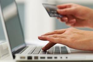 Сбербанк обеспечит безопасность интернет-покупок в Зауралье