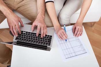 Сбербанк предложит супругам контролировать расходы друг друга